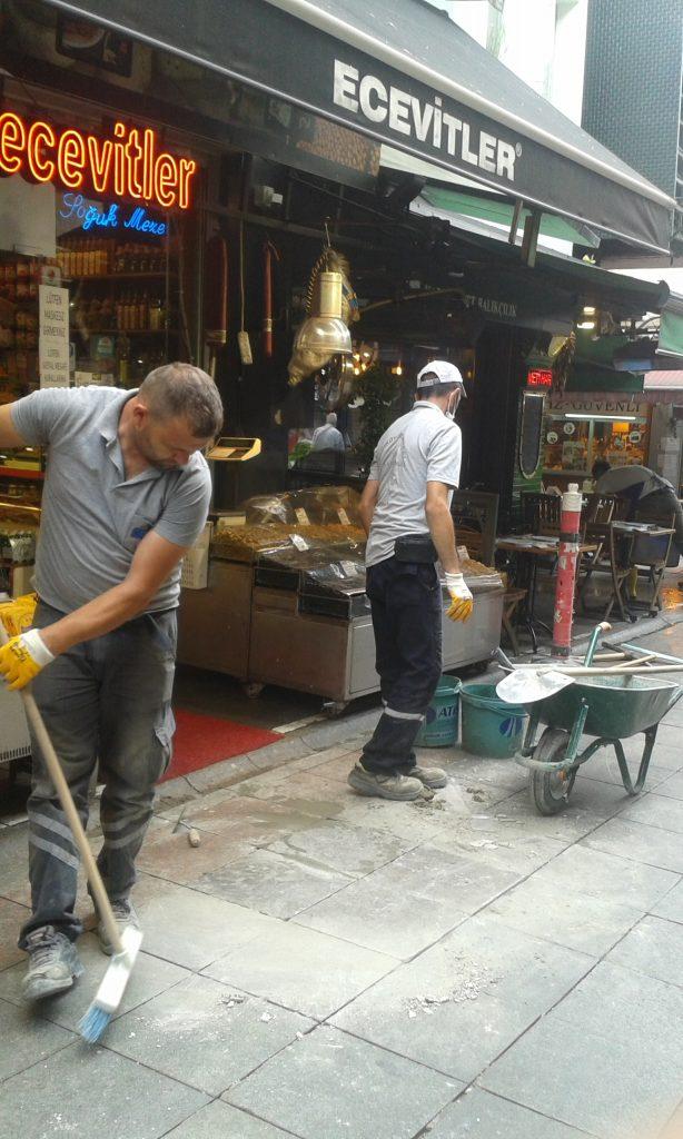 Kadıköy Tarihi Çarşısı esnafından, Kadıköy Belediyesi Fen İşleri Müdürlüğüne teşekkür